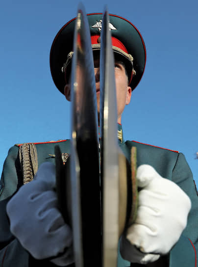 Волгоград. Музыкант во время репетиции парада Победы