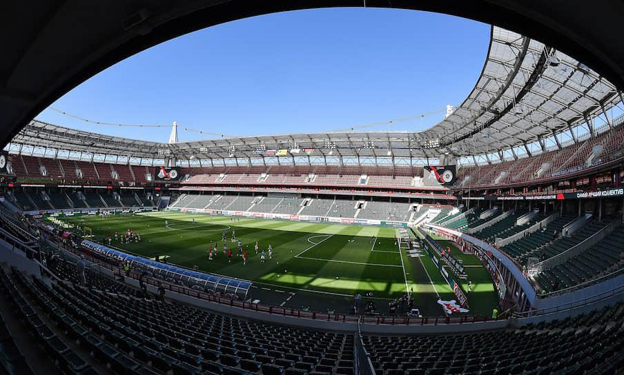Вид на трибуны во время матча «Локомотив»—«Оренбург»