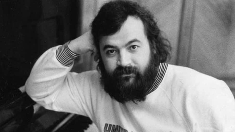 Rомпозитор, поэт, продюсер, автор песни «На заре» Олег Парастаев
