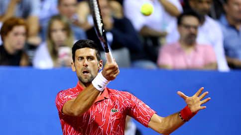 К Новаку Джоковичу подбирается коронавирус  / На турнире, который организовал сербский теннисист, заболели спортсмены и тренеры