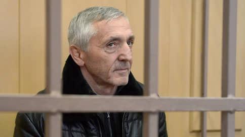 Дагестанскому экс-министру к растрате добавили диван  / Бывший чиновник получил 4,5 года вместо 14 лет, запрошенных прокуратурой
