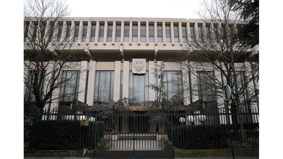 Российское посольство во Франции, в здании которого находится и посольская школа