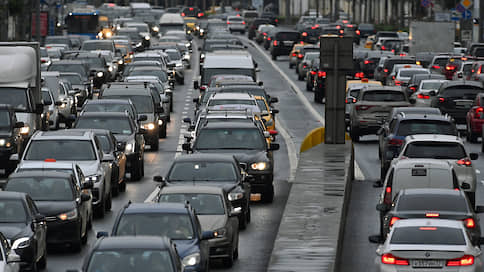 КоАП предлагают поправить по дороге  / ОНФ направит Минюсту свою версию административных санкций для водителей