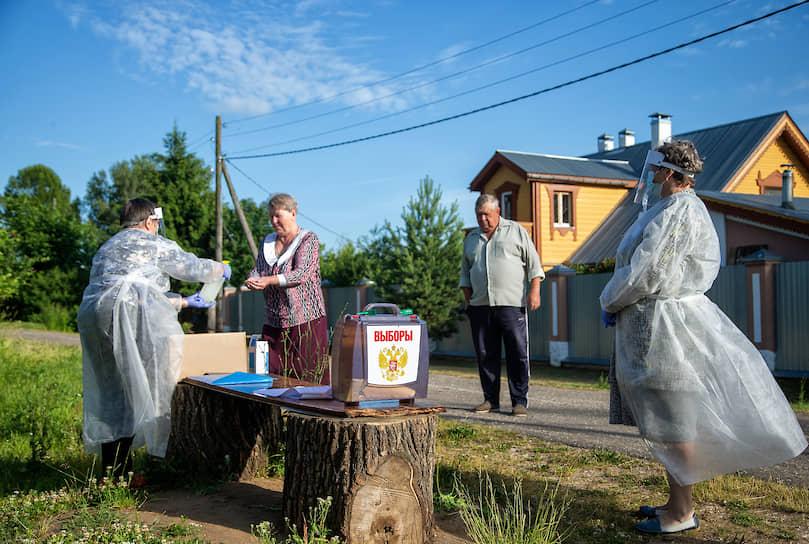Передвижной избирательный участок в деревне Турово Владимирской области