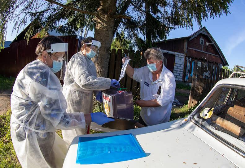 Передвижной избирательный участок в деревне Турово Московской области