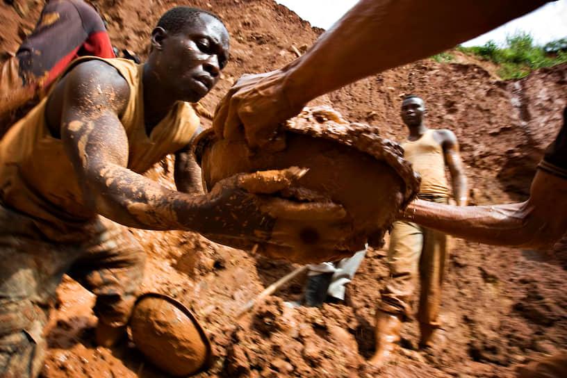 Около 200 тыс. жителей Конго заняты добычей золота, в основном вручную, не всегда легально