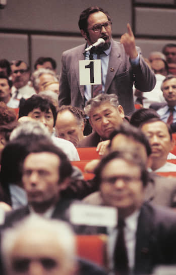 Съезд обнажил резкий раскол в партии. К моменту его открытия партия разделилась на сторонников радикальных реформ, выступавших за превращение КПСС в партию парламентского типа, и «консерваторов», обвинявших Михаила Горбачева в отказе от коммунистической идеологии