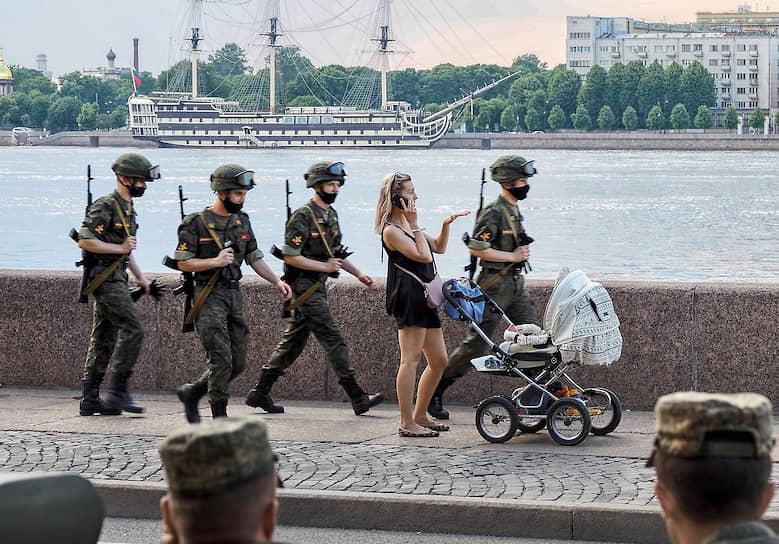 18 июня. Санкт-Петербург. Во время генеральной репетиции парада к 75-летию Победы