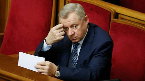 Под независимость Нацбанка Украины подложили отставку  / Его руководитель обвинил власти в политическом давлении