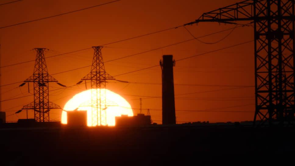 ОПЕК+ мешает энергетикам / Потребление и производство электроэнергии в июне упали на 6%