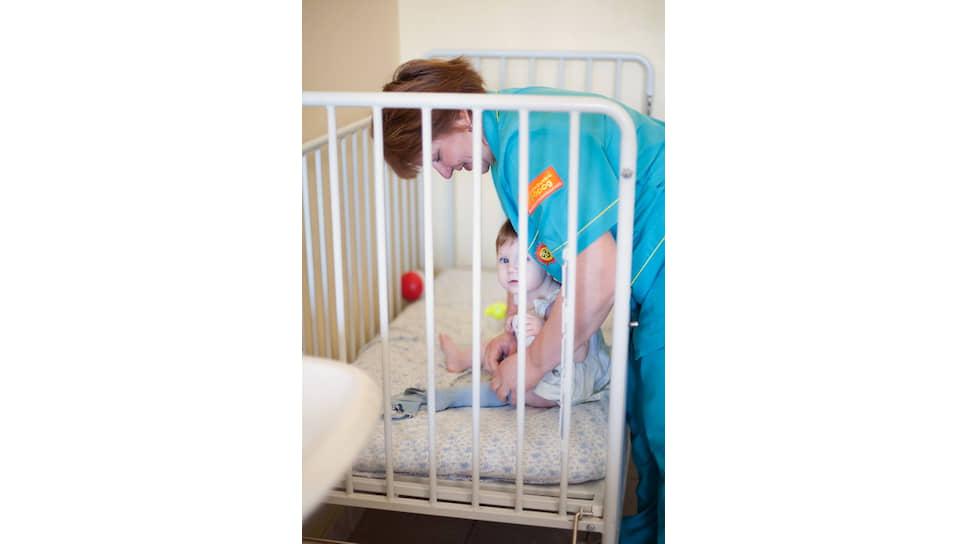 В России закон не обязывает руководство детского дома организовать сопровождение подопечного ребенка в больнице