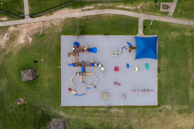 Хьюстон, США. Детская площадка, закрытая из-за коронавируса