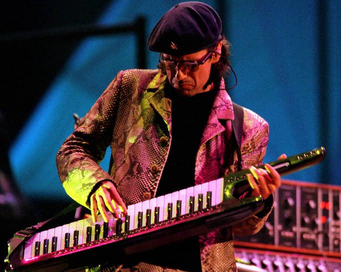 Французский композитор, один из пионеров электронной музыки Жан-Мишель Жарр выступил 6 сентября 1997 года в Москве в рамках торжеств к 850-летию столицы. Бесплатный концерт, проходивший перед зданием МГУ, собрал, по оценкам властей, около 3,5 млн человек