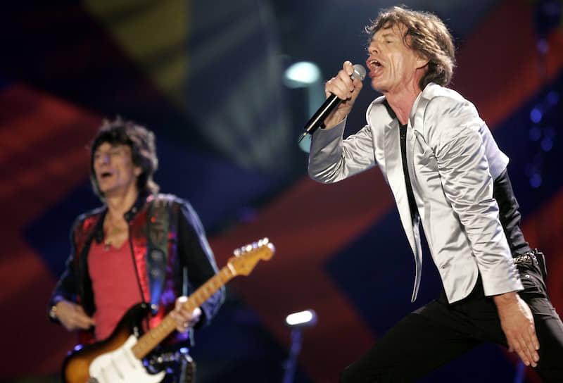 На выступлении британской рок-группы The Rolling Stones на пляже Копакабана в Рио-де-Жанейро 18 февраля 2006 года собралось порядка 1,5 млн человек