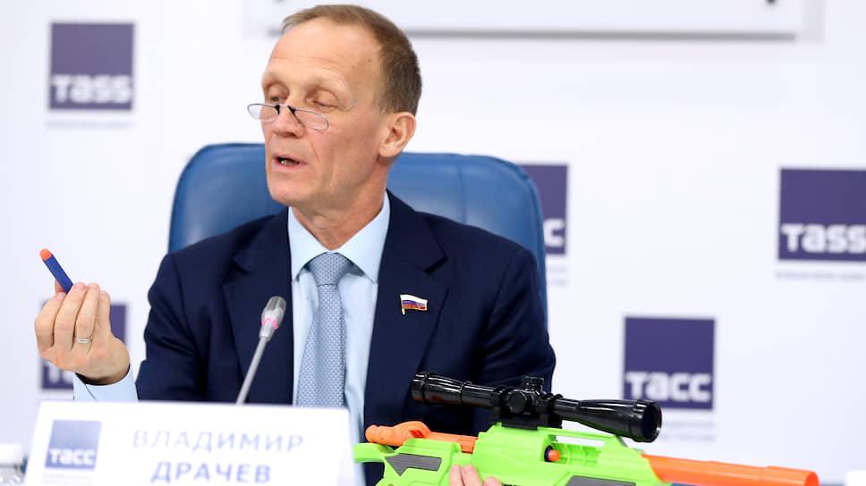 Бывший глава Союза биатлонистов России и действующий депутат Госдумы Владимир Драчев