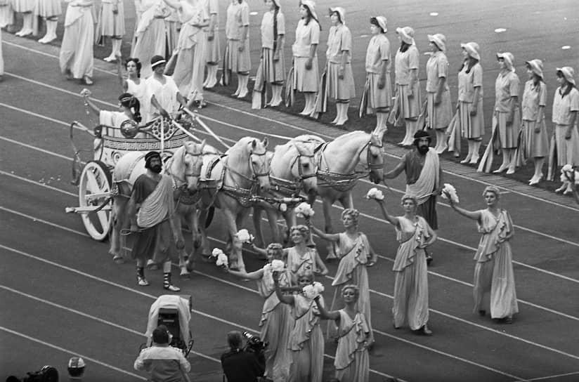 Греческая колесница на открытии Олимпиады-80
