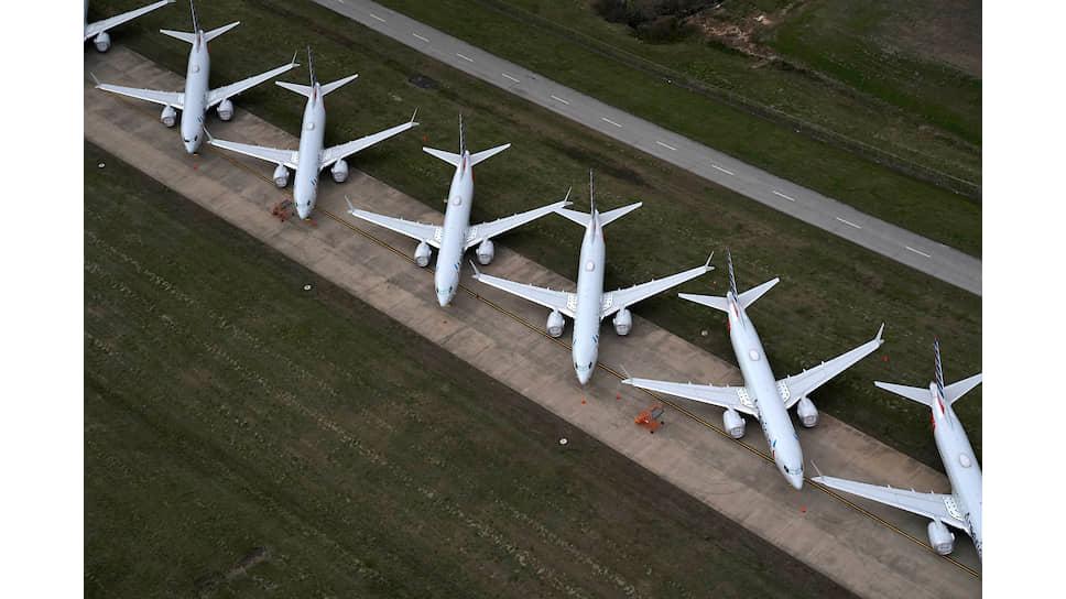 Сильнее всего пандемия ударила по авиационной отрасли
