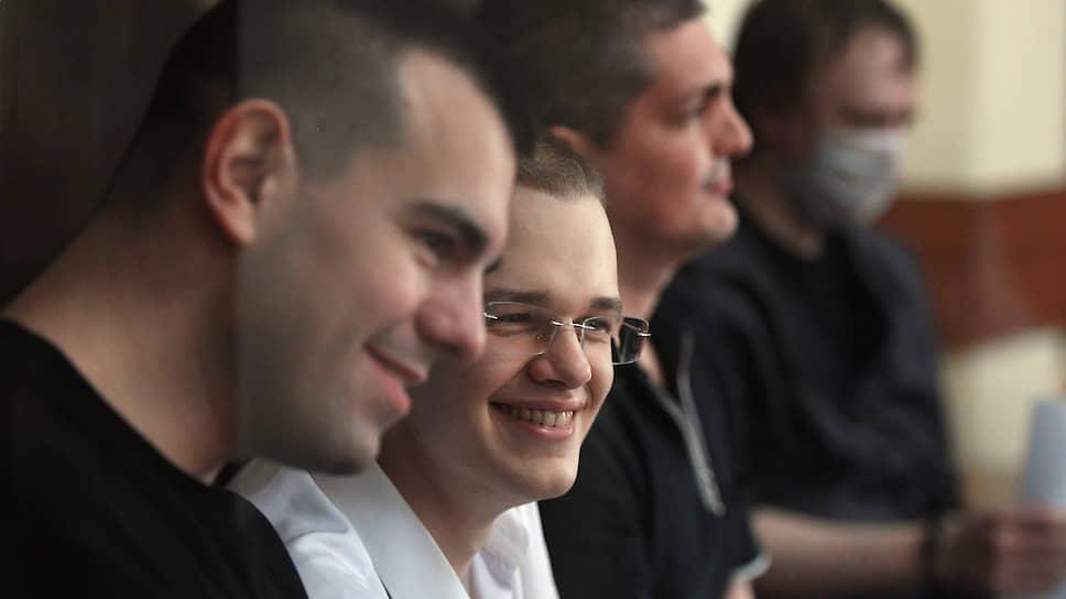 Слева направо: Руслан Костыленков, Вячеслав Крюков и Петр Карамзин