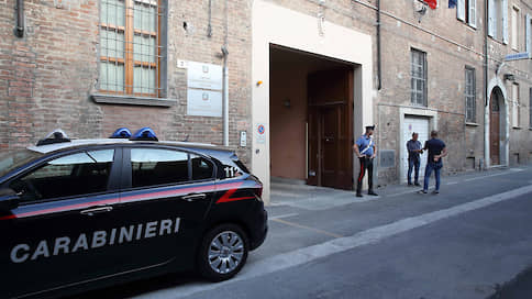 Карабинеры сменили профессию  / Итальянских военнослужащих подозревают в организации ОПГ и торговле наркотиками