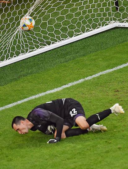 Единственный гол на 84-й минуте забил нападающий «Зенита» Артем Дзюба, реализовавший пенальти
