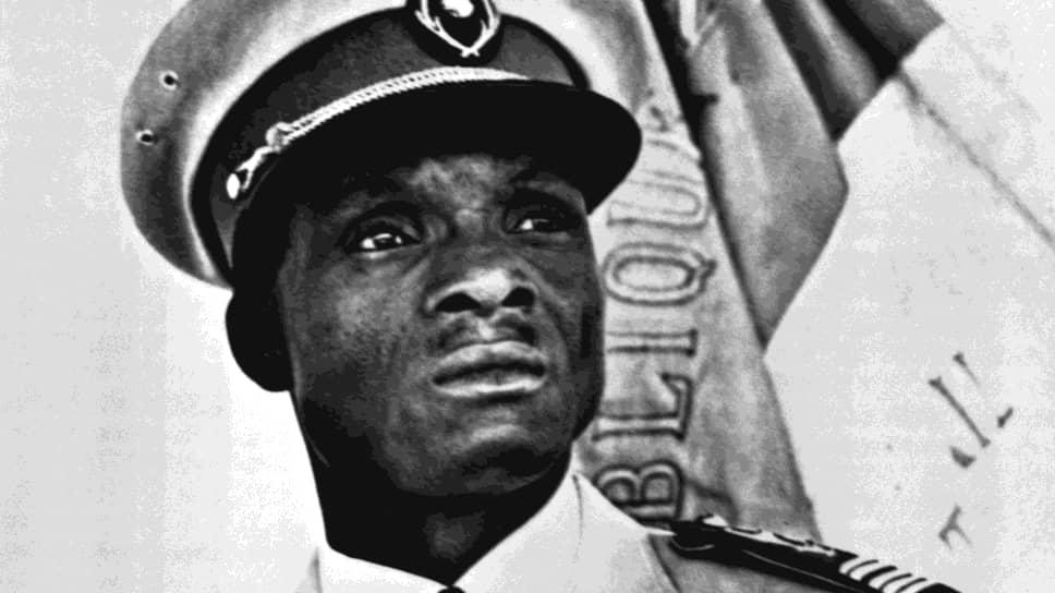 В радиообращении к стране подполковник Сейни Кунче заявил, что армия взяла власть в свои руки, чтобы «установить социальную справедливость и положить конец страданиям народа»