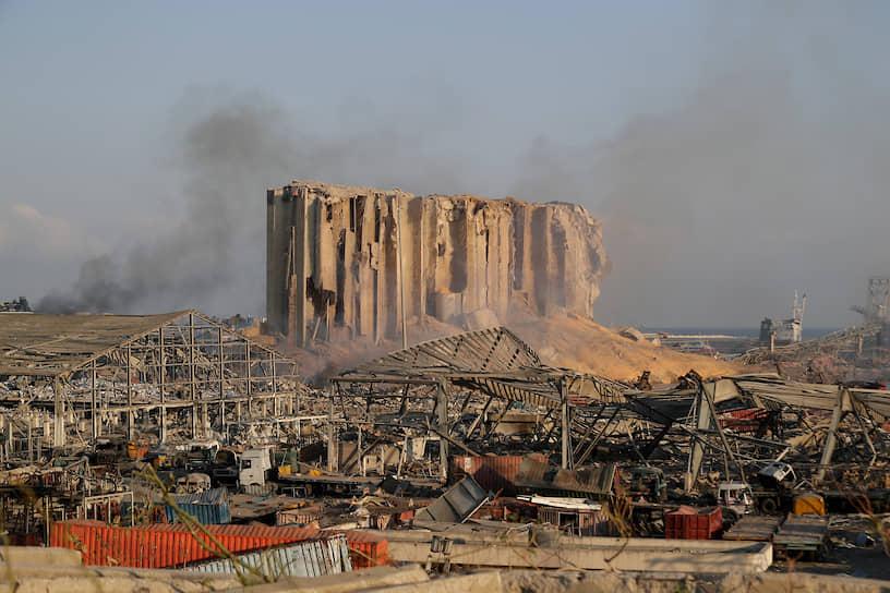 В зоне поражения находились три городские больницы. Они полностью выведены из строя