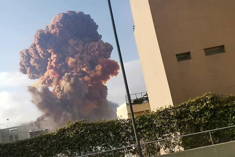 Губернатор ливанской столицы сравнил сегодняшний взрыв с ядерной бомбой, упавшей на Хиросиму