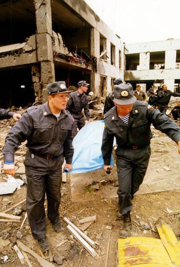 Из-под завалов жилого дома в Волгодонске было извлечено 18 погибших, 1 человек умер в больнице, 89 были госпитализированы