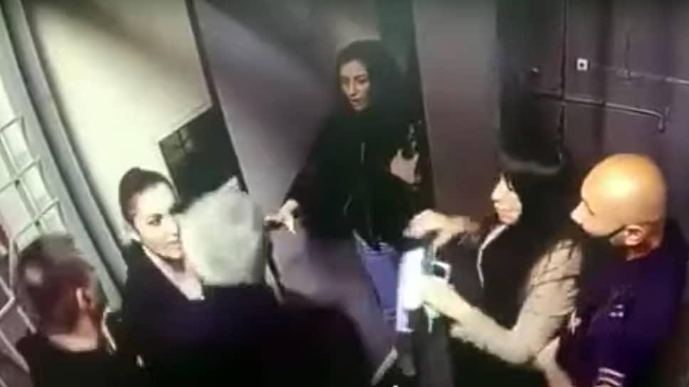 Момент конфликта адвокатов с полицией