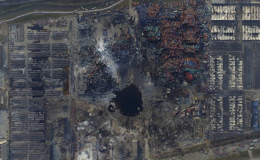 12 августа 2015 года в портовом городе Тяньцзинь (Северный Китай) в результате возгорания на складе логистической компании Ruihai произошли два взрыва мощностью в 3 и 21 тонн в тротиловом эквиваленте соответственно, возник сильный пожар. Погибли 173 человека