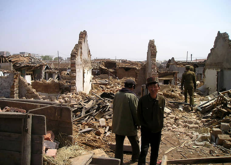 По официальным данным, погиб 161 человек, более 1 тыс. были ранены. В районе взрыва были разрушены сотни жилых домов
