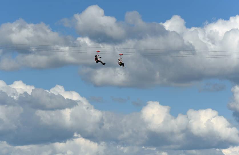 Москва. Церемония открытия воздушной трассы Skypark Moscow на Воробьевых горах