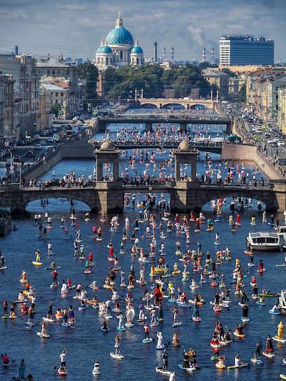 Санкт-Петербург. Международный фестиваль-карнавал любителей сапсерфинга «Фонтанка-SUP-2020»