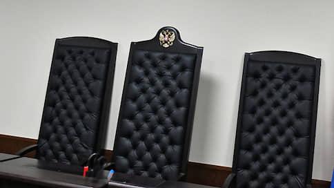 Судью подвела встреча в кафе  / Главу Дзержинского районного суда Волгограда заподозрили в получении 25млн рублей