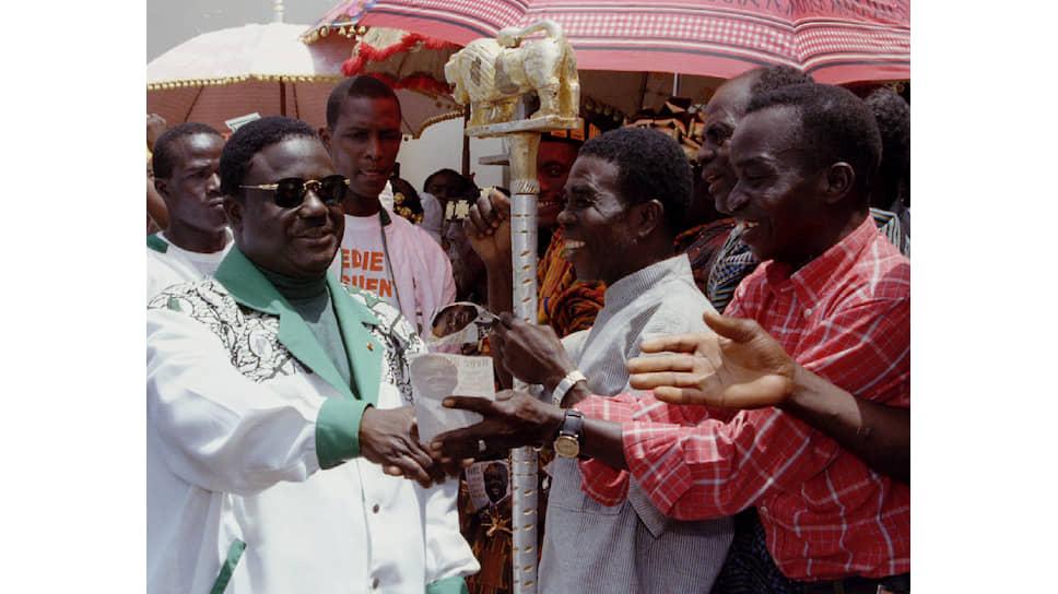 Анри Бедье был президентом Кот-д`Ивуара два неполных срока. Он занял президентское кресло после смерти Уфуэ-Буаньи, а на втором сроке вынужден был бежать из страны в связи с военным переворотом