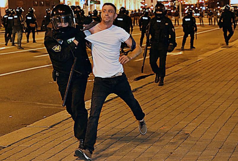 Минск, Белоруссия. Задержание участника акции протеста