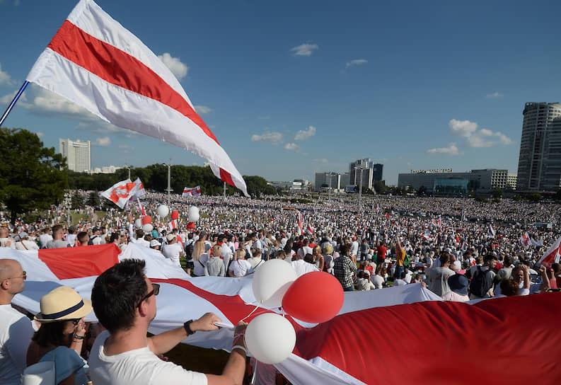 Участники митинга за отставку Александра Лукашенко