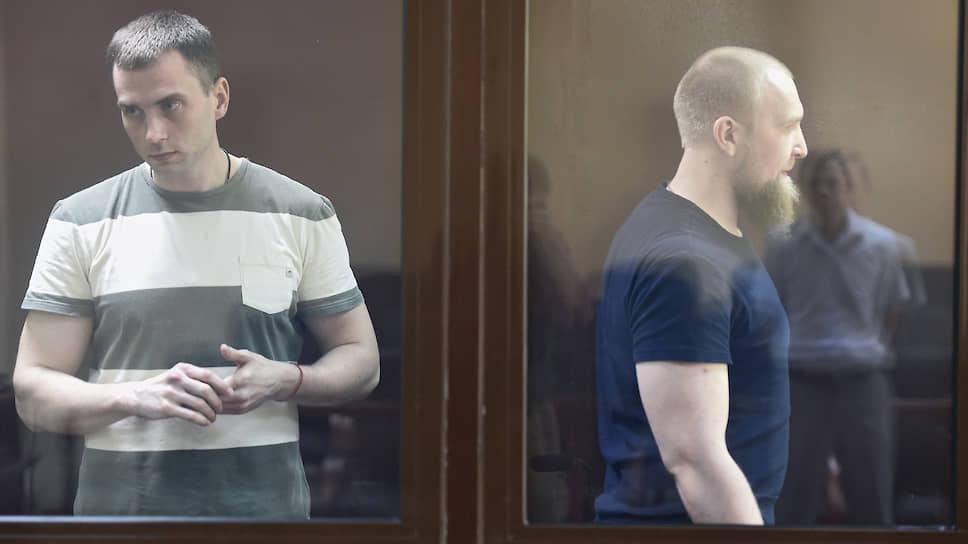 Экс-начальник отделения ОМВД Алушты Александр Леснов (слева) и бывший военнослужащий Николай Пухов