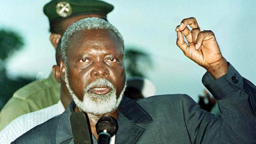 Анж-Феликс Потассе стал президентом ЦАР в результате свободных выборов и сумел продержаться на своем посту 10 лет, несмотря на неоднократные попытки его свергнуть. В 2003 году очередная попытка оказалась удачным