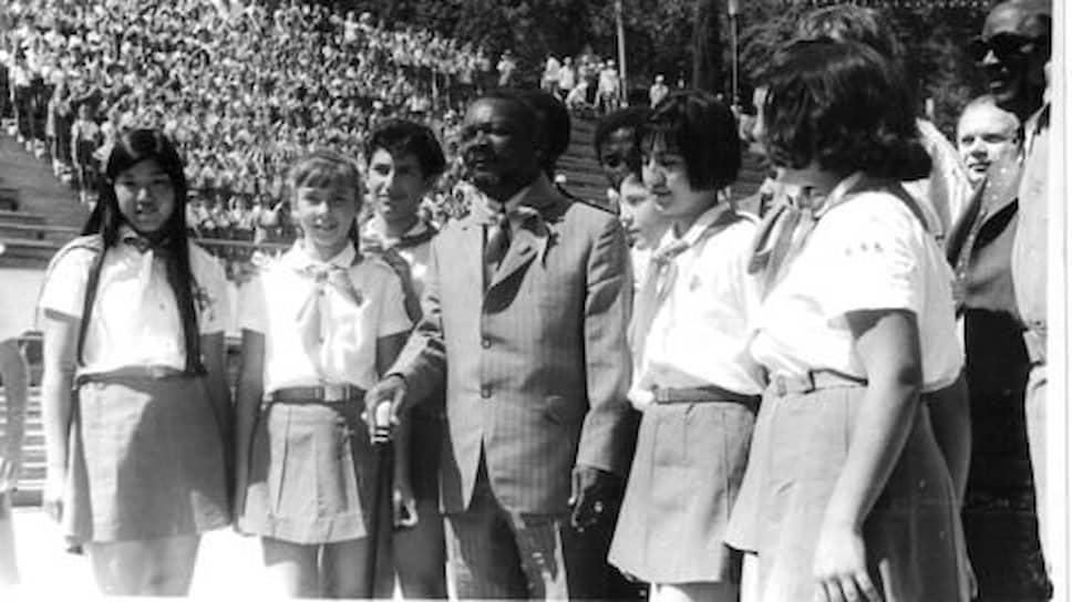 В 1973 году президент ЦАР Бокасса стал, возможно, первым в истории Всесоюзной пионерской организации им. В. И. Ленина пионером-людоедом