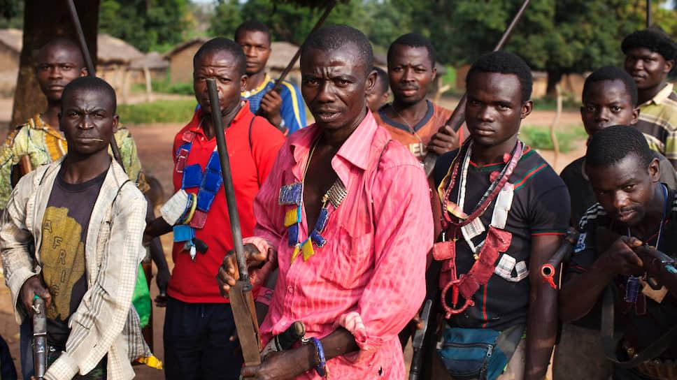 Отряд «Анти-балаки» защищает деревню от бойцов «Селеки»