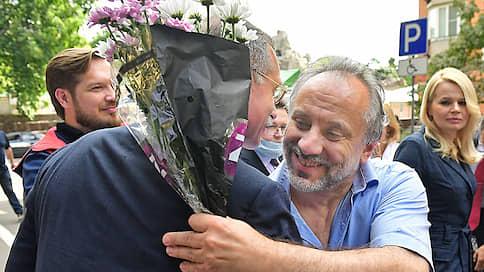 Депутата обвинили и вернули домой  / Олег Шереметьев полагает, что его оговорила бывшая помощница