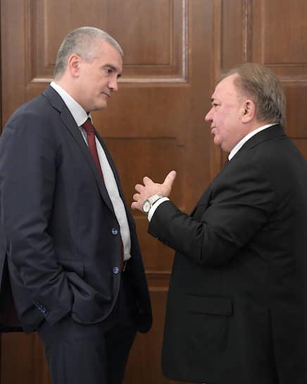Глава Крыма Сергей Аксенов (слева) и глава Ингушетии Махмуд-Али Калиматов