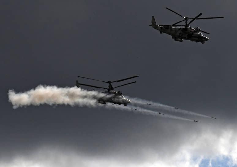 Динамический показ возможностей подразделений Воздушно-десантных войск на полигоне Алабино