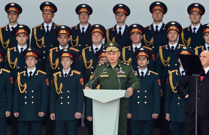 На открытии форума «Армия-2020» выступил министр обороны Сергей Шойгу: «Сегодня здесь собрались представители многих стран. Свыше 90 делегаций прибыли для того, чтобы посмотреть достижения российских оружейников, все то, что наша оборонная промышленность может сделать»