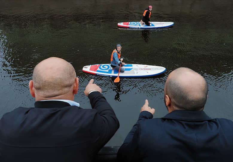 16 августа. Санкт-Петербург. Занятия сапсерфингом на реке Мойке