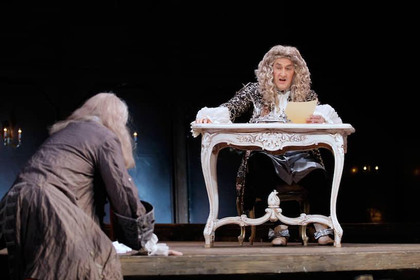 В последние годы Борис Клюев был занят в спектаклях Малого театра «Последняя жертва», «Пиковая дама», «Как обмануть государство», «Маскарад» <br>На фото: пресс-показ спектакля «Мольер» по пьесе Михаила Булгакова «Кабала святош»