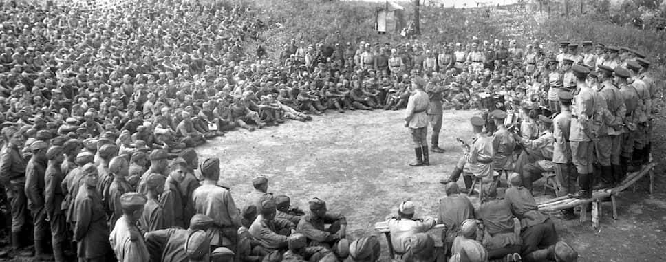 Главнокомандующим вооруженных сил СССР на Дальнем Востоке был маршал Александр Василевский. Общая численность войск, задействованных в операции, составляла порядка 1,7 млн человек (в их числе 16 тыс. военнослужащих армии  Монгольской Народной Республики)