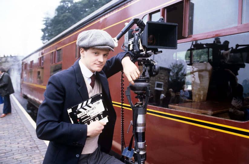 После окончания колледжа в США в 1982 году переехал в Лондон, где получил профессиональное актерское образование. Играл в местном Национальном молодежном театре. Одной из первых ролей актера в кино стала роль работника театра Ричарда Хернкасла (на фото) в сериале «Утраченные империи» (1986)