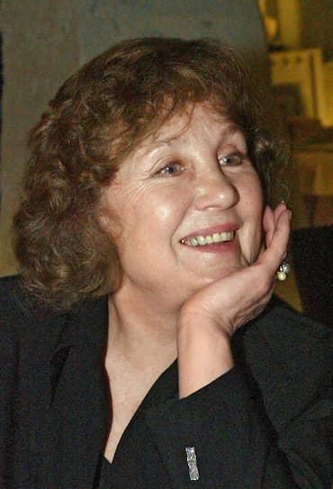 После возвращения в СССР снялась в таких фильмах, как «Проданный смех» (1981), «Тайна, известная всем» (1981), «Женатый холостяк» (1982), «Конец света с последующим симпозиумом» (1986), «Чудная долина» (2004) и «Нечаянная радость» (2005). В 1970-х годах актриса работала на телевидении в качестве телеведущей передачи «Будильник»